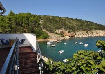 Namori - idyllic location, right by the sea