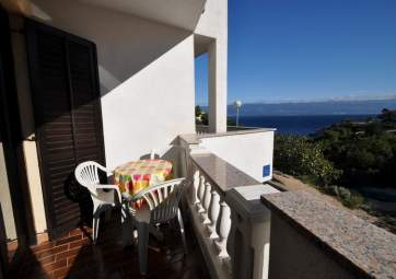 Mate 2 - with sea view & close to the beach
