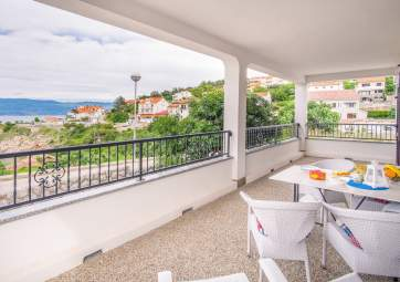 Bela 1 - modern apartment with sea view, close to the beach