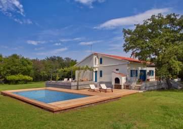 Grubic - con grande piscina e giardino, immersa nella natura