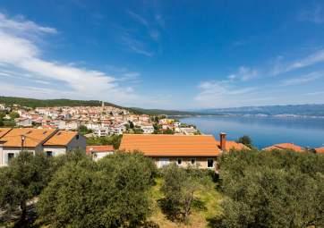 Zlatko - with panoramic sea view, near the beach