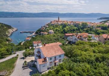 Katica 2 - in quiet location, with panoramic sea view
