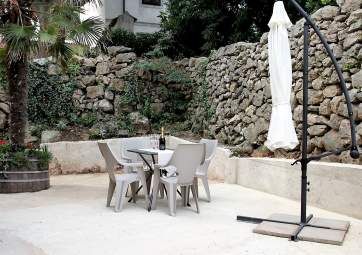 Ivana - newly renovated, in central position with large terrace