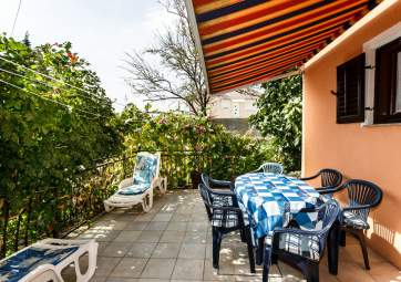 Ines - ideal for family vacation, near the sandy beach