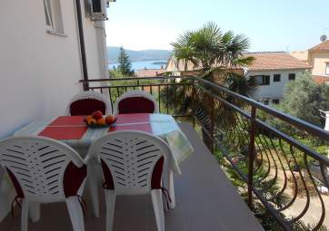 Andrea 4 - with sea view and shared garden