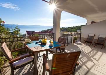 Anamarija 2 - ugodan apartman s fantastičnim pogledom na more