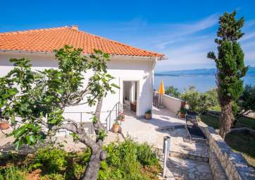 Petar 2 - very close to the beach, with fantastic sea view