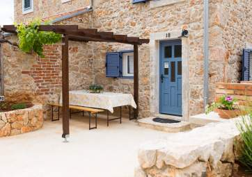 Bubica 1 - newly renovated stone house with great sea views