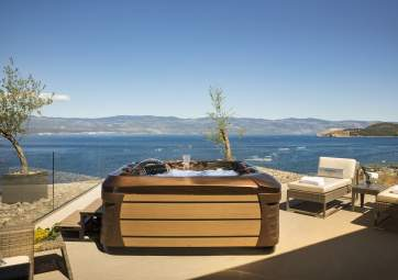 Deluxe with sea view and jacuzzi
