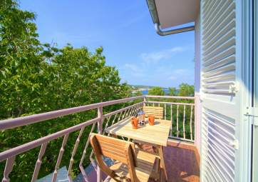 Aurelia 2 - in ideal location, so close to the beach