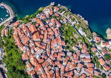 Rustica - tra i tetti antichi