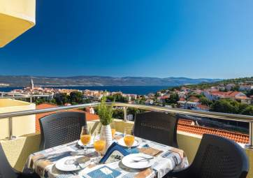 Jelena - the sea and Vrbnik in the palm of Your hand
