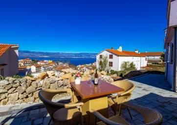 Vjeko 3 - four star apartment with panoramic sea view