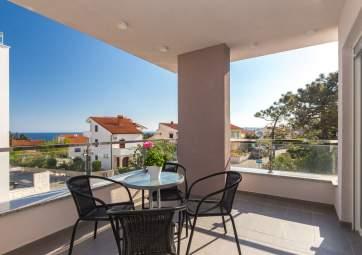 Mia 1 - moderno appartamento a Krk vicino alla spiaggia
