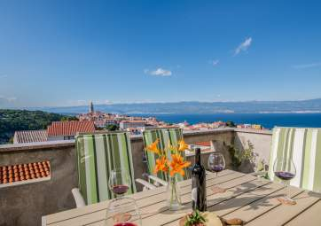 Lux - bright, decorated with love, with a breathtaking sea view